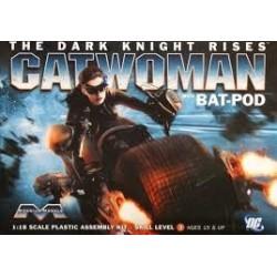 Models Catwoman + Bat-Pod